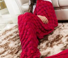 Knitted Red Mermaid ..