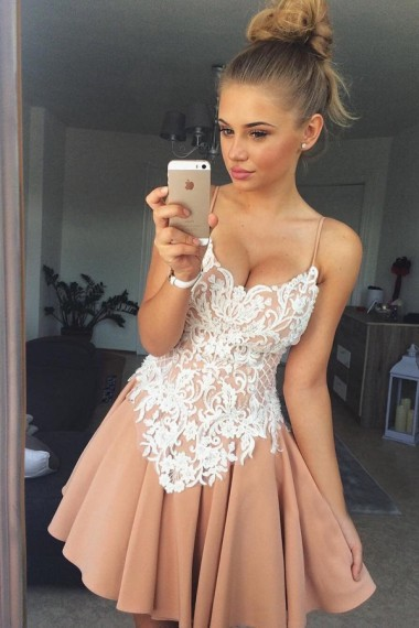 Stylish A-Line Spaghetti Straps Short Satin Homecoming Dress with White Lace Appliques
